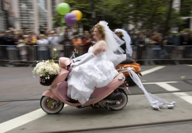 moped-bride-431x300